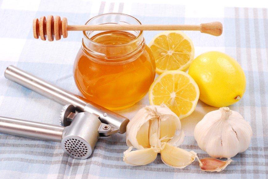 Худеем со вкусом: чеснок с медом поможет сбросить вес к Новому году
