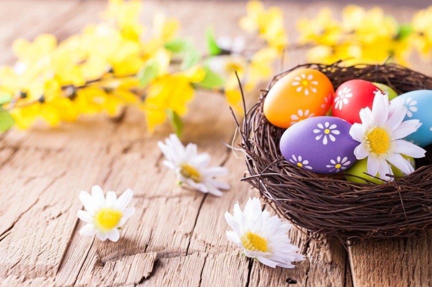 Куркума, каркаде и капуста: чем покрасить яйца к Пасхе