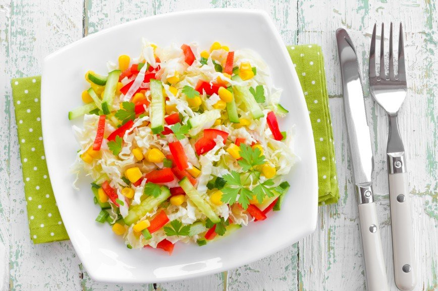 Капуста в помощь: разгружаемся на легких салатах