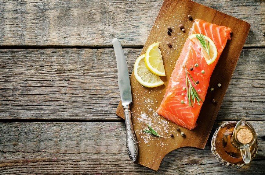 Лучше магазинной: как засолить рыбку к новогоднему столу
