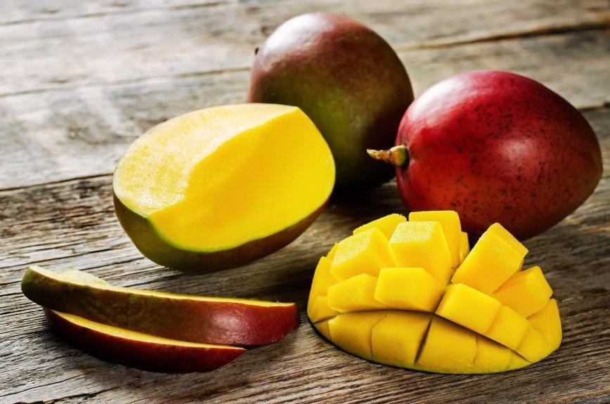 Готовим гаспачо из манго с Никой Белоцерковской