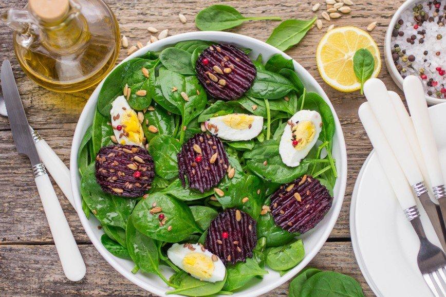 Не винегретом единым: вкусные и быстрые салаты со свеклой