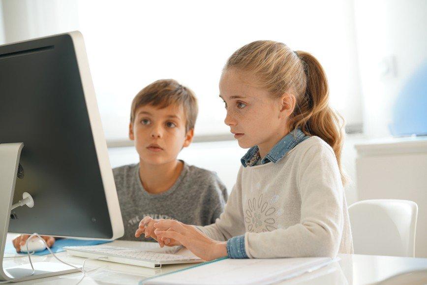 Мозги - это бесплатно: топ интересных онлайн-курсов для школьников