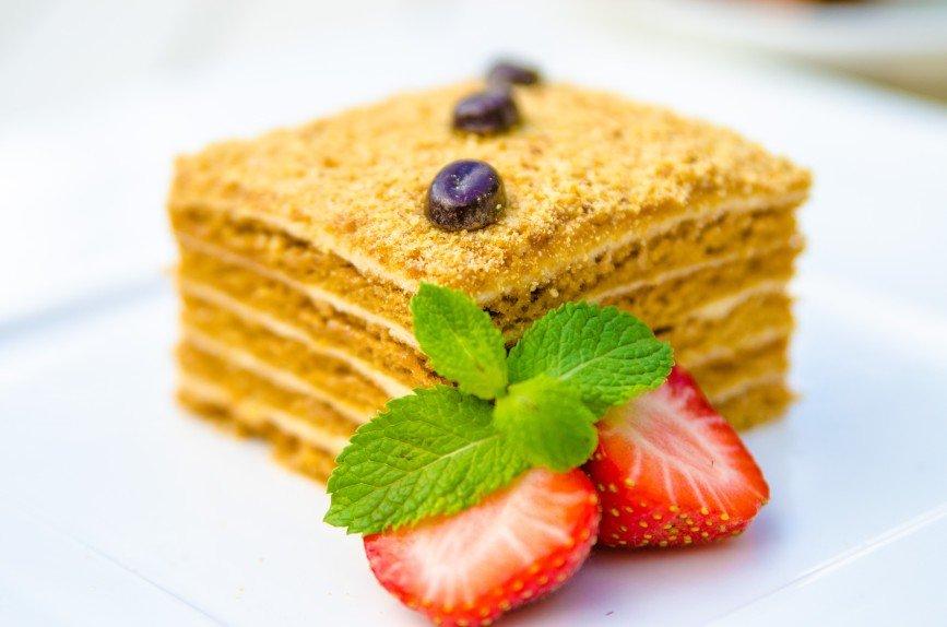 Семейные рецепты - торт Медовик