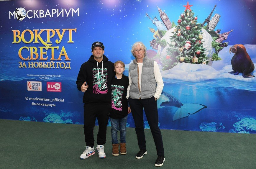 Константин Хабенский, Дарья Мороз, Валерия Гай Германика побывали на премьере мюзикла «Вокруг света за Новый год»