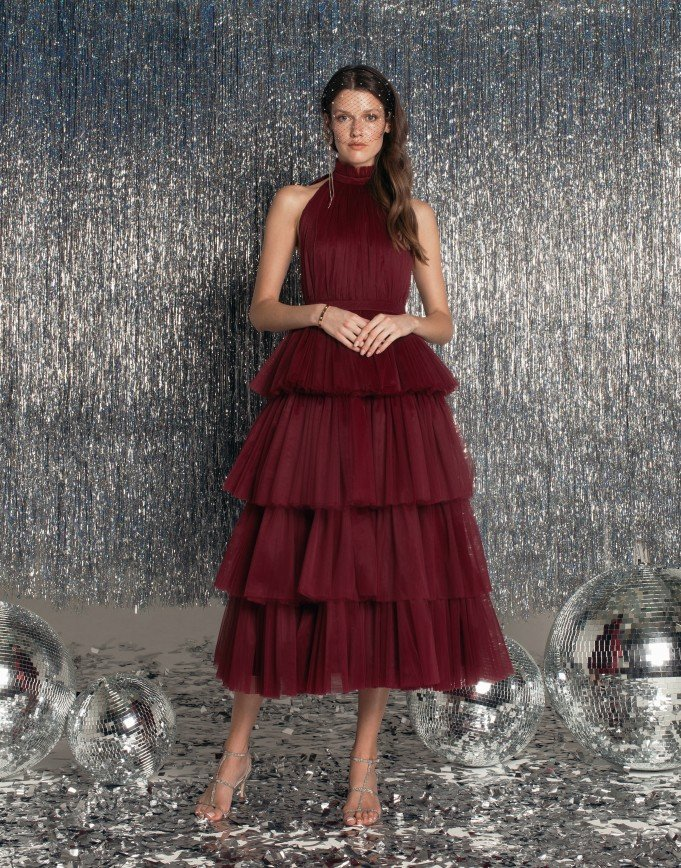 Формы – это красиво: в рождественской коллекции Beloe Zoloto появились наряды размера XL