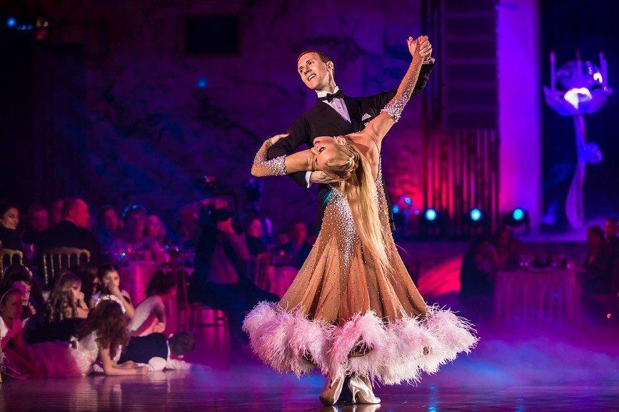 Вовк, Ардова, Сябитова, Галустян и другие посетили танцевальное шоу «Звездный Дуэт»
