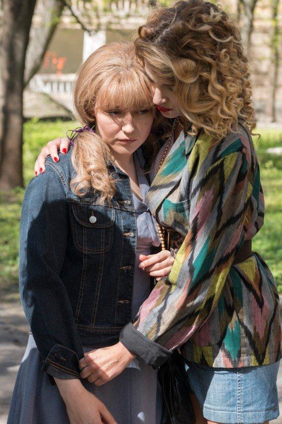 Мини-юбка в -17°, капроновые чулки и алкоголь залпом: Женя Малахова рассказала, как снимали сериал по песням Булановой