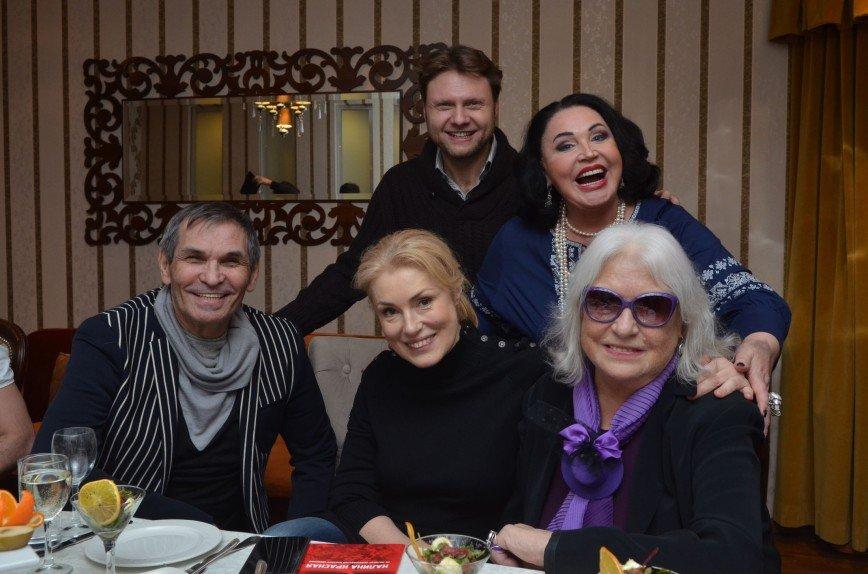 Спектакль «Калина красная» до слез растрогал Лидию Федосееву-Шукшину