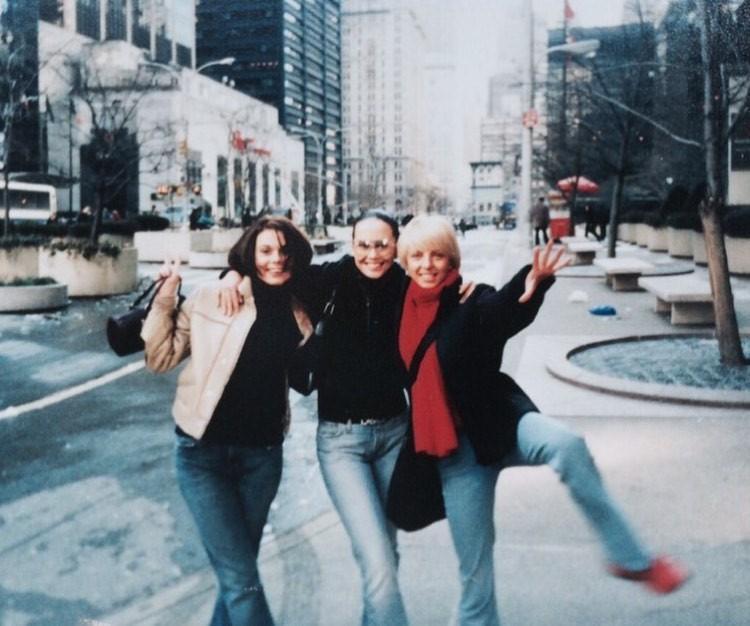 Какая красивая Жанна! Ксения Новикова поделилась архивными снимками «Блестящих»