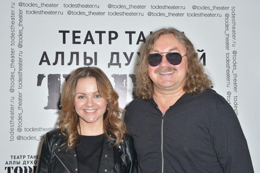 Кристина Орбакайте с дочкой Клавдией и другие звезды поздравили Аллу Духову с пятилетием театра