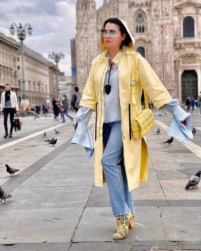 Всем наблюдать закат! Анна Нетребко отрыла сезон летней террасы в венской квартире: Звезда оперной сцены [b][url=https://eva.ru/znamenitosti/anna-netrebko/]Анна Нетребко[/url][/b] всегда была и остается в центре внимания — такую женщину просто невозможно не заметить. Ее