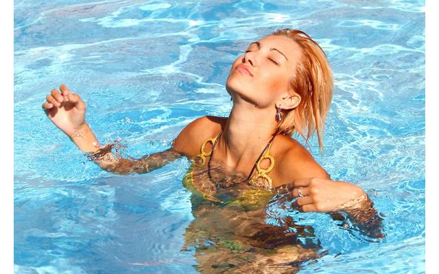 Секс в бассейне безопасно ли