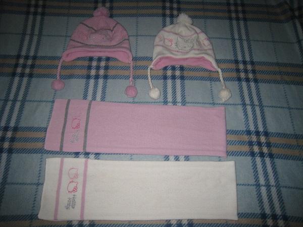 Шапочки на флисовой подкладке, шарфы без подкладки, только вязанное полотно. Маркировка 54см. 300р. Остался розовый комплект.