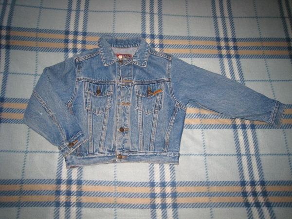 Джинсовый пиджак на 6-7 лет.  200р.