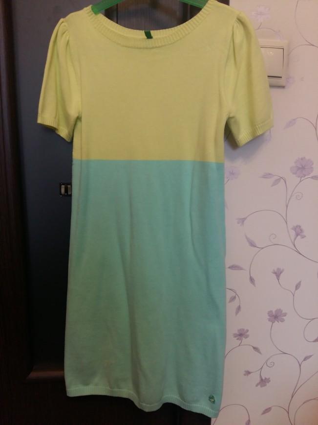Новое платье Beneton (бирки срезаны) размер 146. Цена 1100.