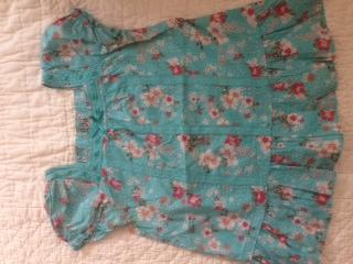 Блузка HM на 128 - хорошо на пухлика, большемерит  - 250р