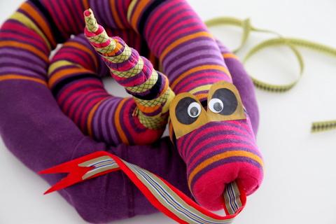 МК: Змейка из носков