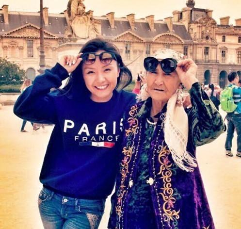Никогда не поздно: как 80-летняя бабушка веселилась в Диснейленде