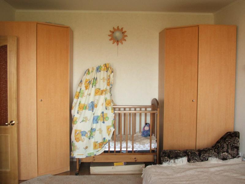 2 Угловых шкафа Шатура:[br] Угол: 100,8х100,8[br] Глубина 55,8 см[br] Высота2220см[br] Кроватка детская с ящиком+обкладка, балдахин, шерстяное одеяло[br] ШКАФЫ ПРОДАНЫ