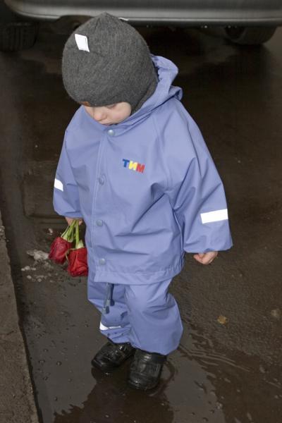 Костюм голубой, р-р 86, рост ребенка ок. 90 см[br] цена 860 руб.