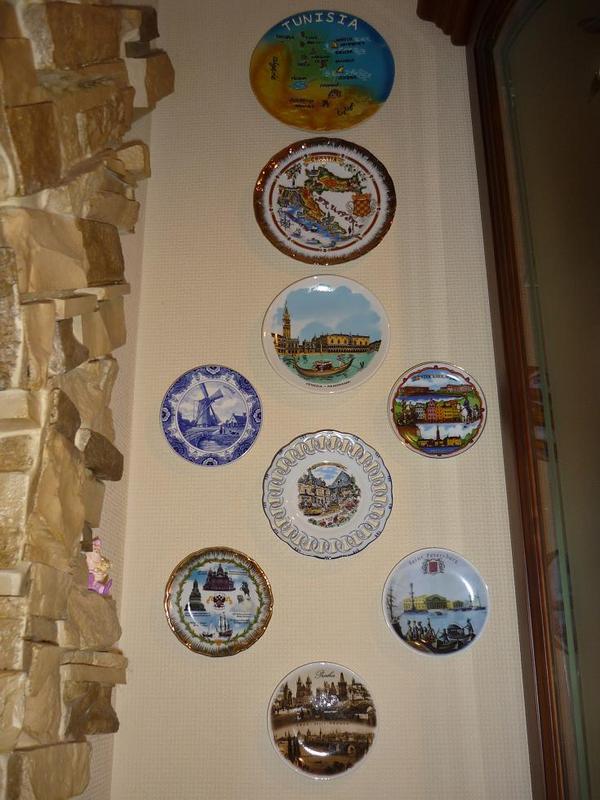 коллекционирую настенные тарелочки:)